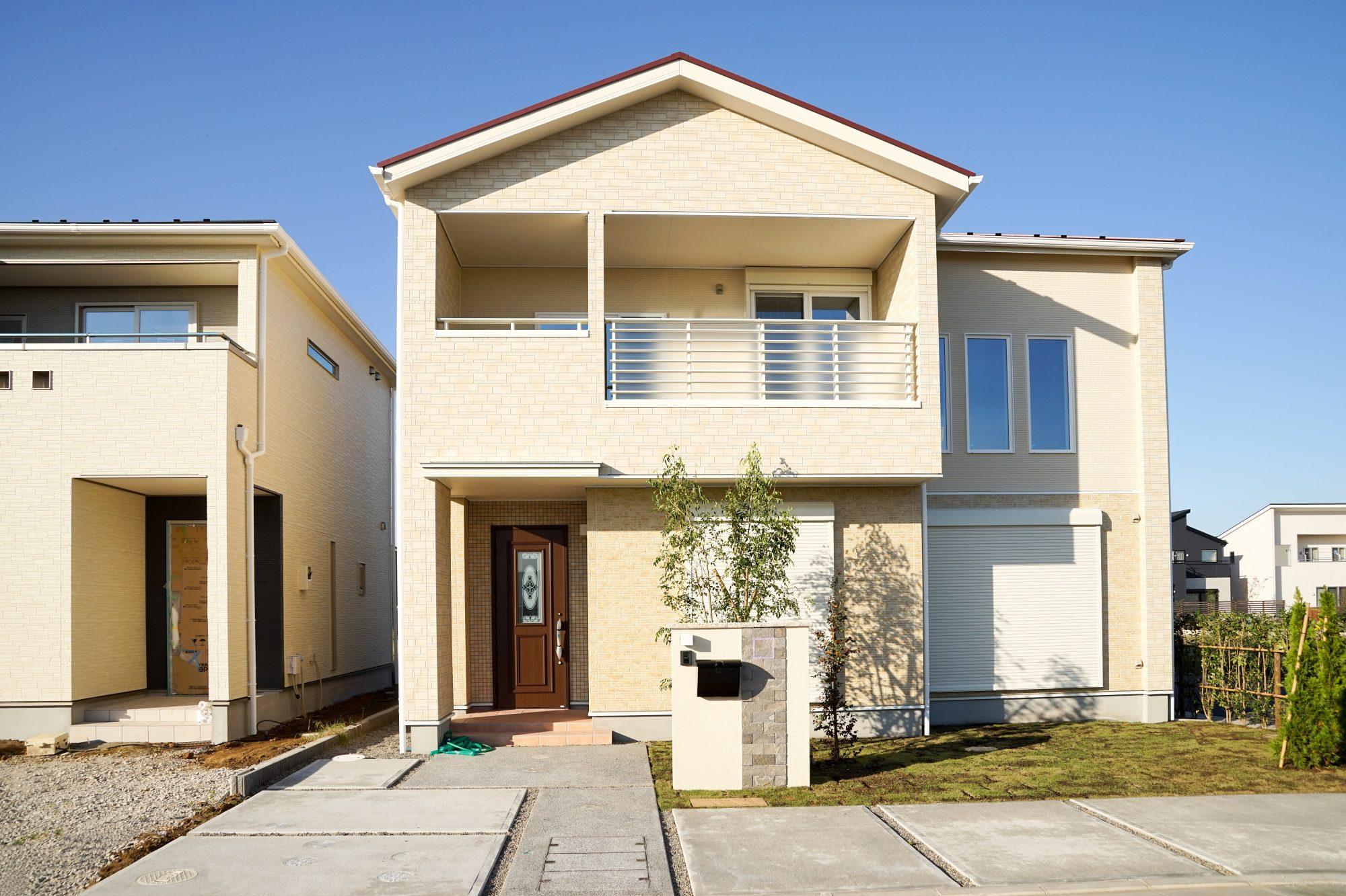 玄関前のデザインは住宅の顔