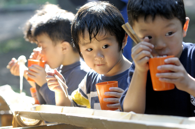 夏休みのお庭遊びベスト3。熱中症対策のおすすめは?