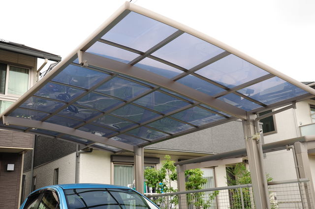 台風による強風対策、庭まわりやカーポートも忘れずに備えましょう
