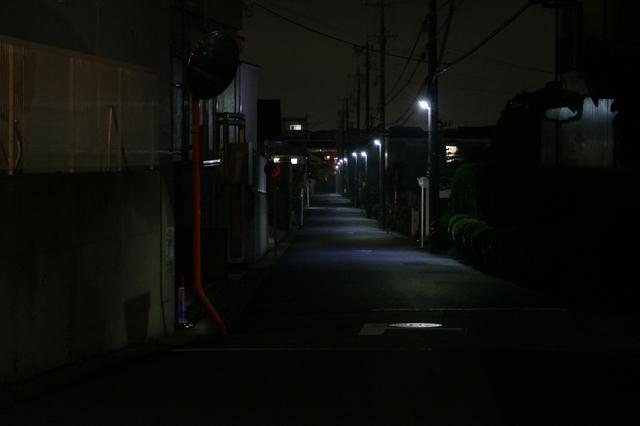 夜間照明で防犯、不審者の侵入を阻止!