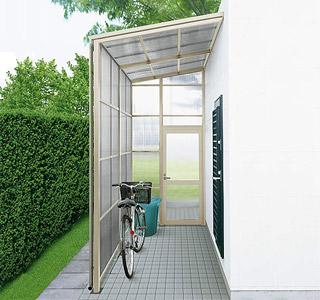ストックヤードを活用して、住まいのまわりをスッキリとした空間に!