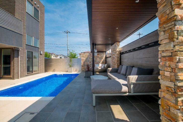 庭にプールがある夢の暮らしを現実に!我が家の庭が美しいリゾートホテルのような空間に