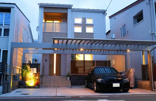 玄関前のカーポートがこんなにおしゃれに!我が家を更にステキに見せる外構プラン