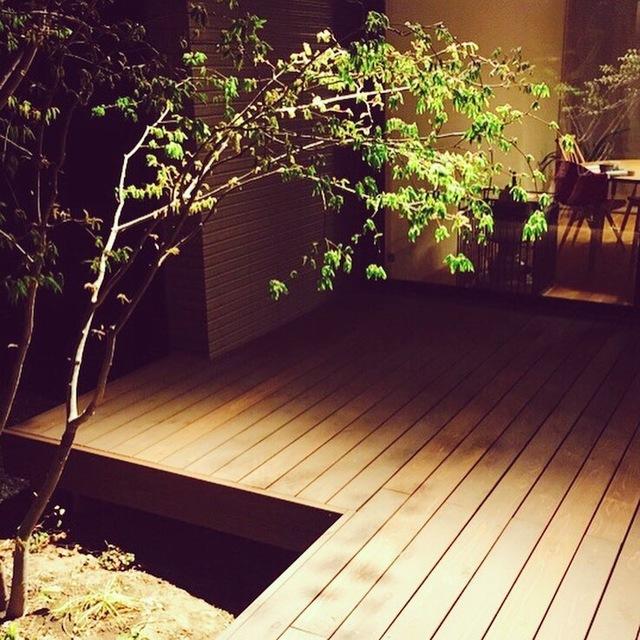 庭をおしゃれにライトアップ!意外なメリットと、夜の庭を活かすおすすめ演出法