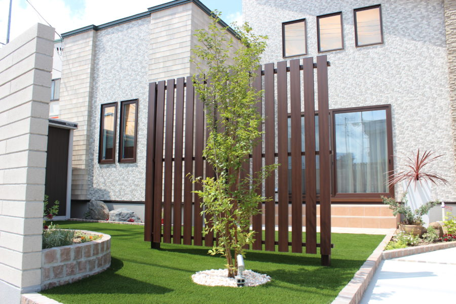 空間がワンランクアップ!お施主様こだわりのハイセンスな建物を、より魅力的に見せるためのエクステリア|エクステリア施工事例No.9
