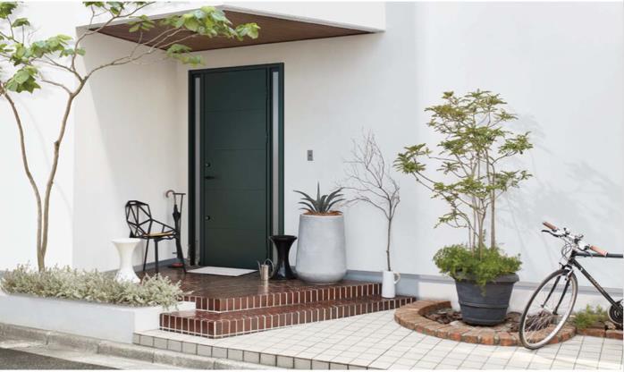【エクステリア空間の専門家】我が家に合う「フェンスと植物」のコーディネート提案