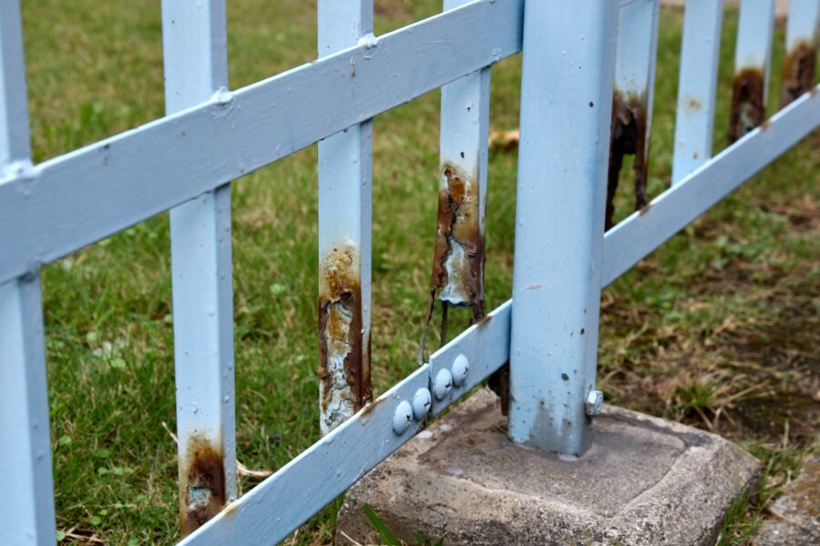 お庭を目隠し!フェンスの上手な選び方とおすすめの製品
